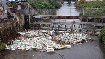1-fiume-sarno-bomba-ecologica-nuova-ondata-di-rifiuti