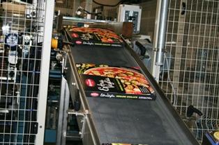 5061_web26settembre_produzione_pizze_in_pack02