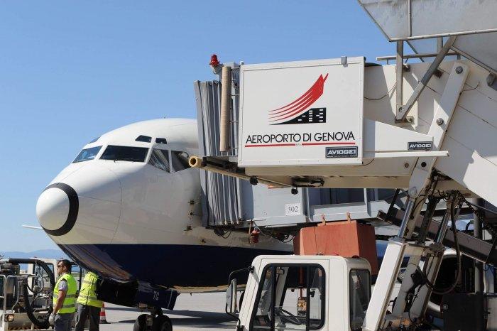 aeroporto-di-genova-aereo