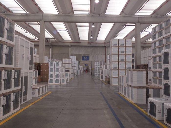 inside-warehouse-electrolux