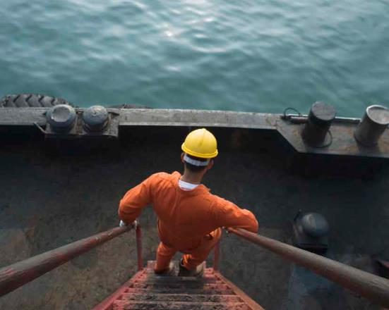 offshore-oil-gas-industry-to-hire-12-000-new-workers-in-uk