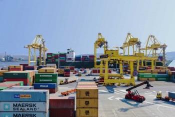 terminal-container-del-porto-di-trieste