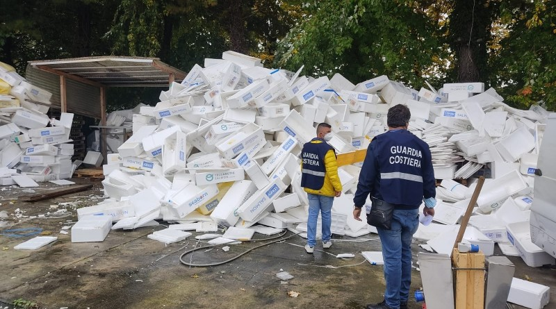 Blitz della Guardia Costiera di Genova: <br />sequestrato ingente quantitativo di prodotti ittici tra Como e Milano/Video