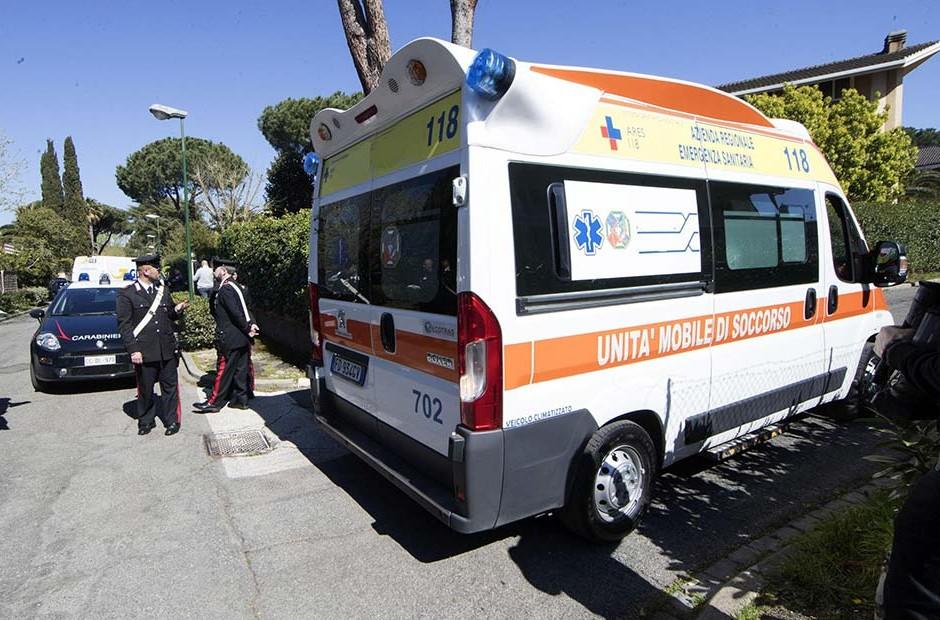 Rubano ambulanza per trasportare un congiunto in ospedale