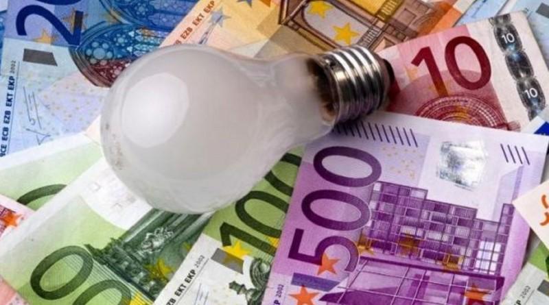 bollette-luce-e-gas-tra-nuovi-rincari-e-promesse-di-taglio-costi-3998603