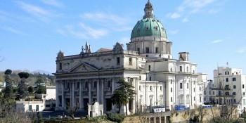 napoli-basilica-dell-incoronata-madre-del-buon-consiglio
